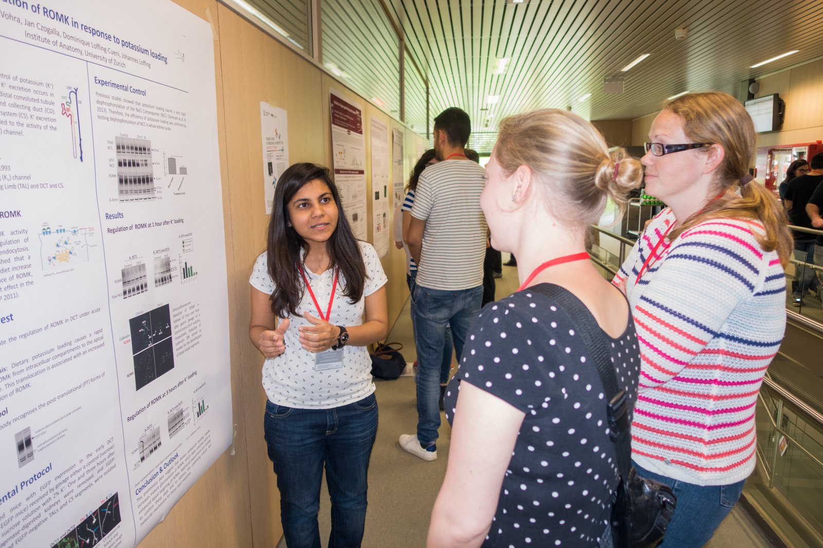 <p>Poster session in the afternoon</p>