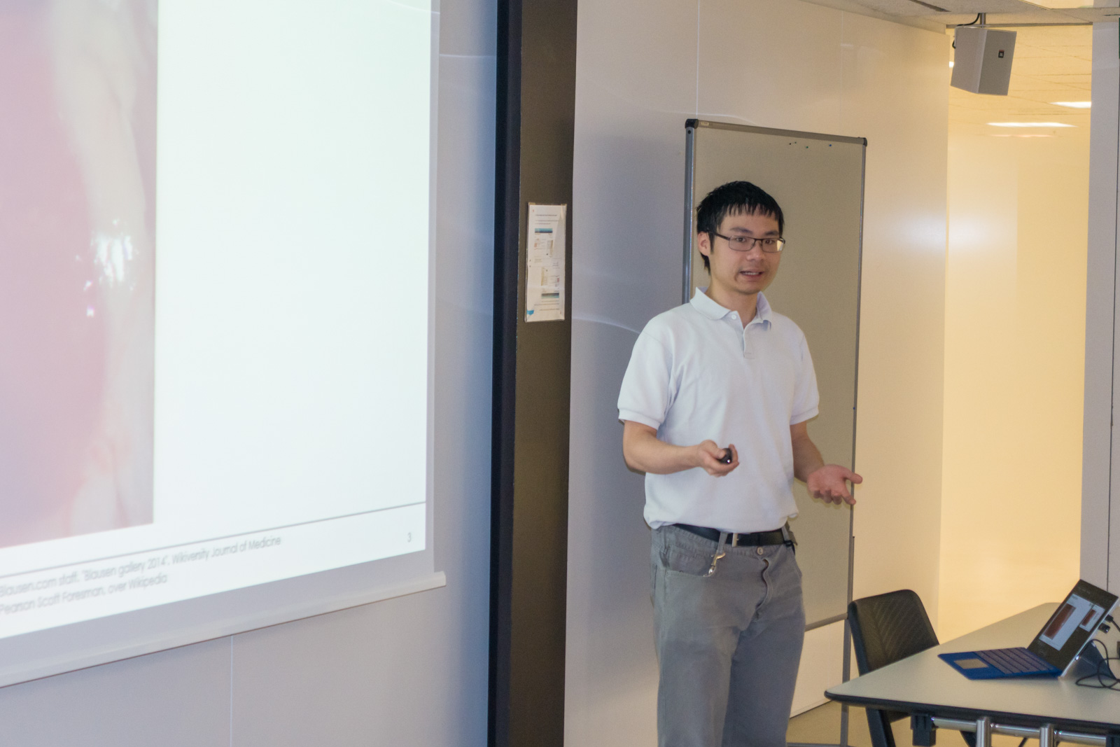 <p>Willy Kuo presenting his project</p>